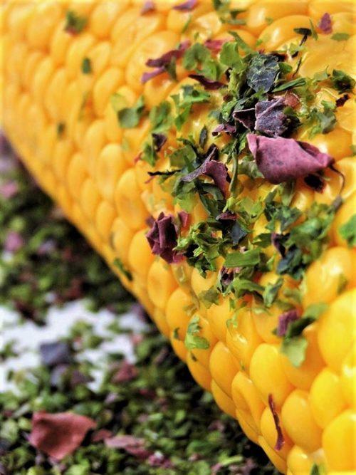 Épi de maïs persillé